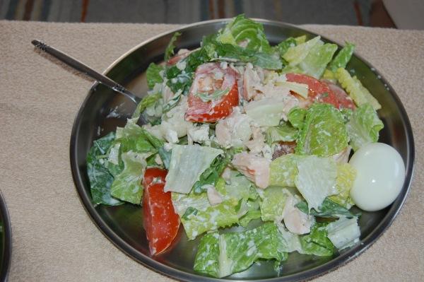 ... a little fresh salad with a little chicken ...