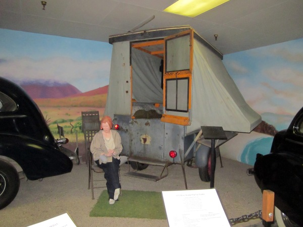 1933 Kozy Kamp Pop-up Trailer