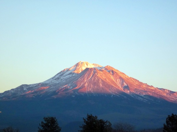 Mt. Shasta without snow ...